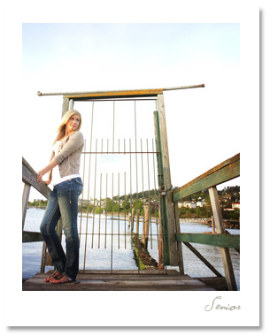 Lauren is a gorgeous senior who wasn't afraid to venture out on a rickety old dock for some grungy shots.