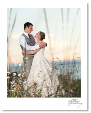 Sara and Doug celebrated their big day with a select group of live wires, adding fun and spontaneity to gorgeous northwest destination, Semiahmoo Resort