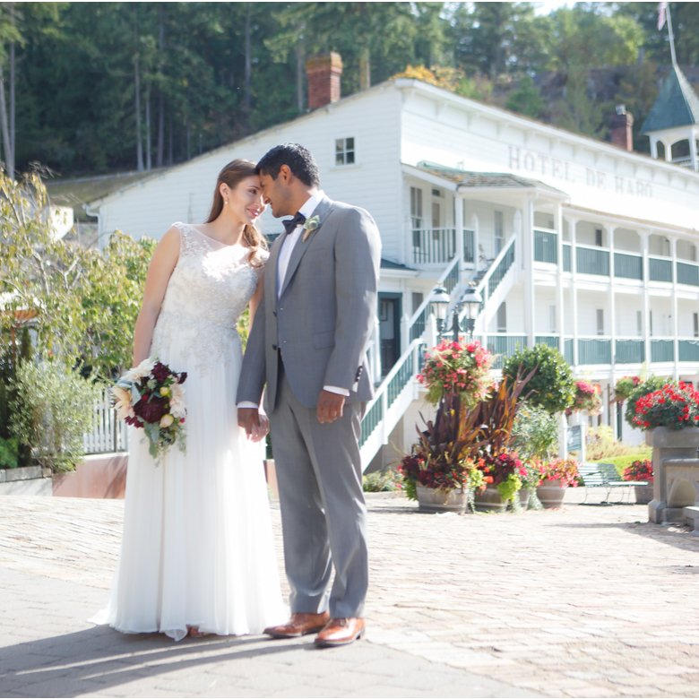 roche-harbor-wedding-inspiration-san-juan-islands_020feature