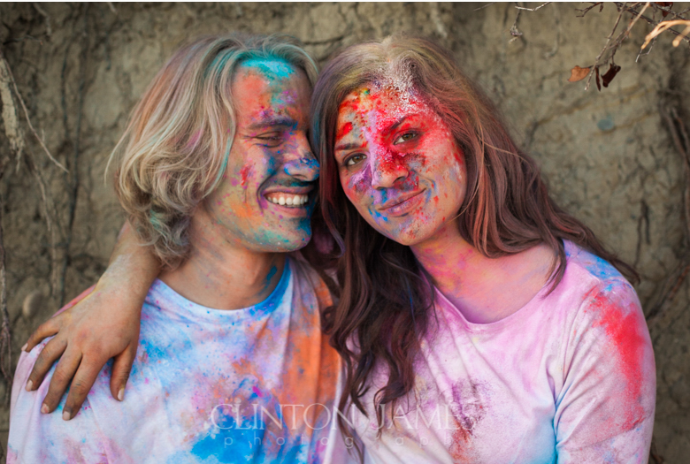 pnw engagement, beach engagement, golden light, northwest, engagement session, color run, color run powder, holi powder