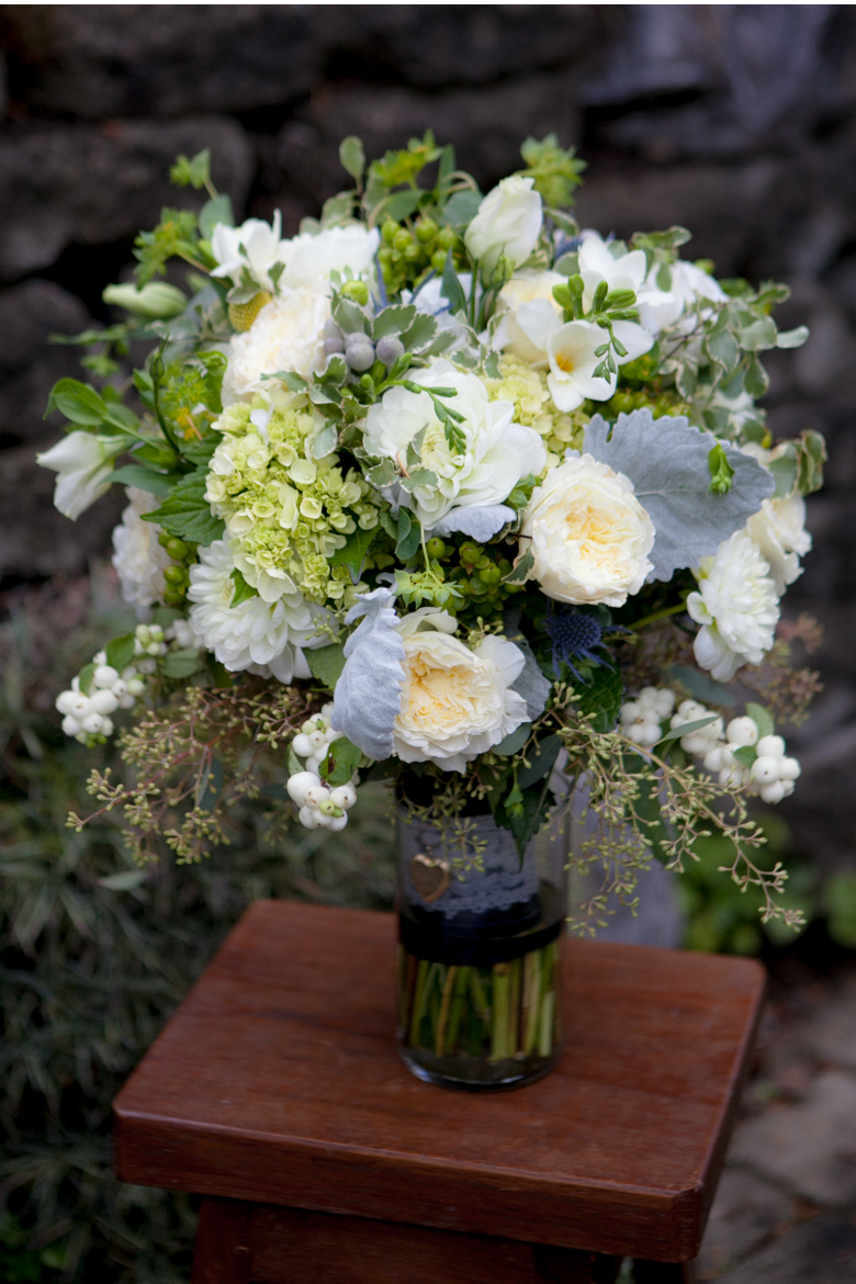bridal bouquet florist picture at Roche Harbor
