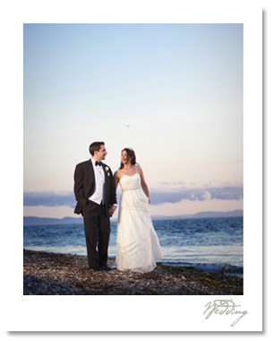 Janon and Vinnie's ceremony at Semiahmoo was a blast.  We couldn't have asked for better weather for their seaside marriage.