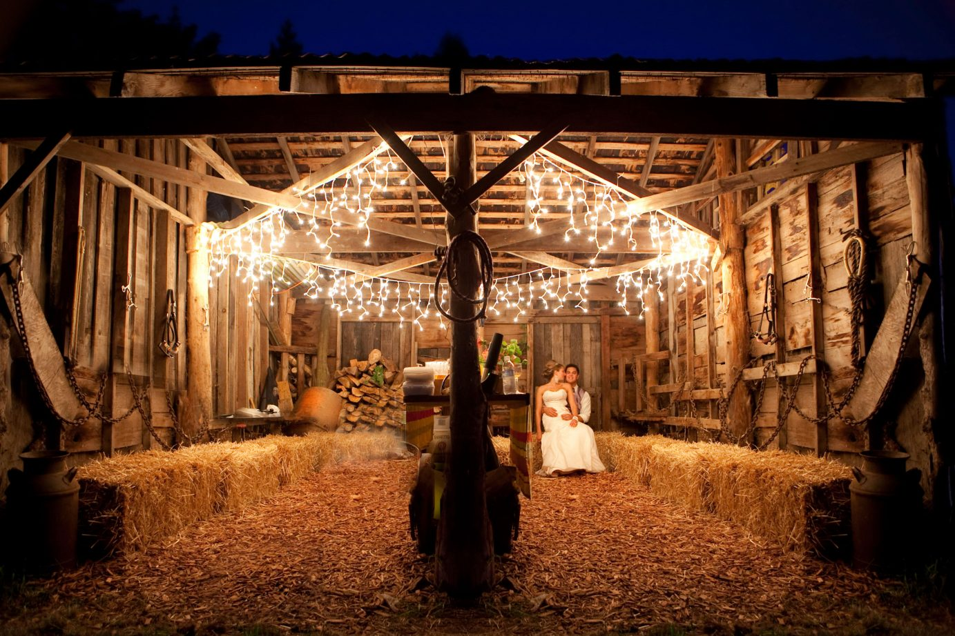 romantic-bride-groom-barn-wedding-christmas lights