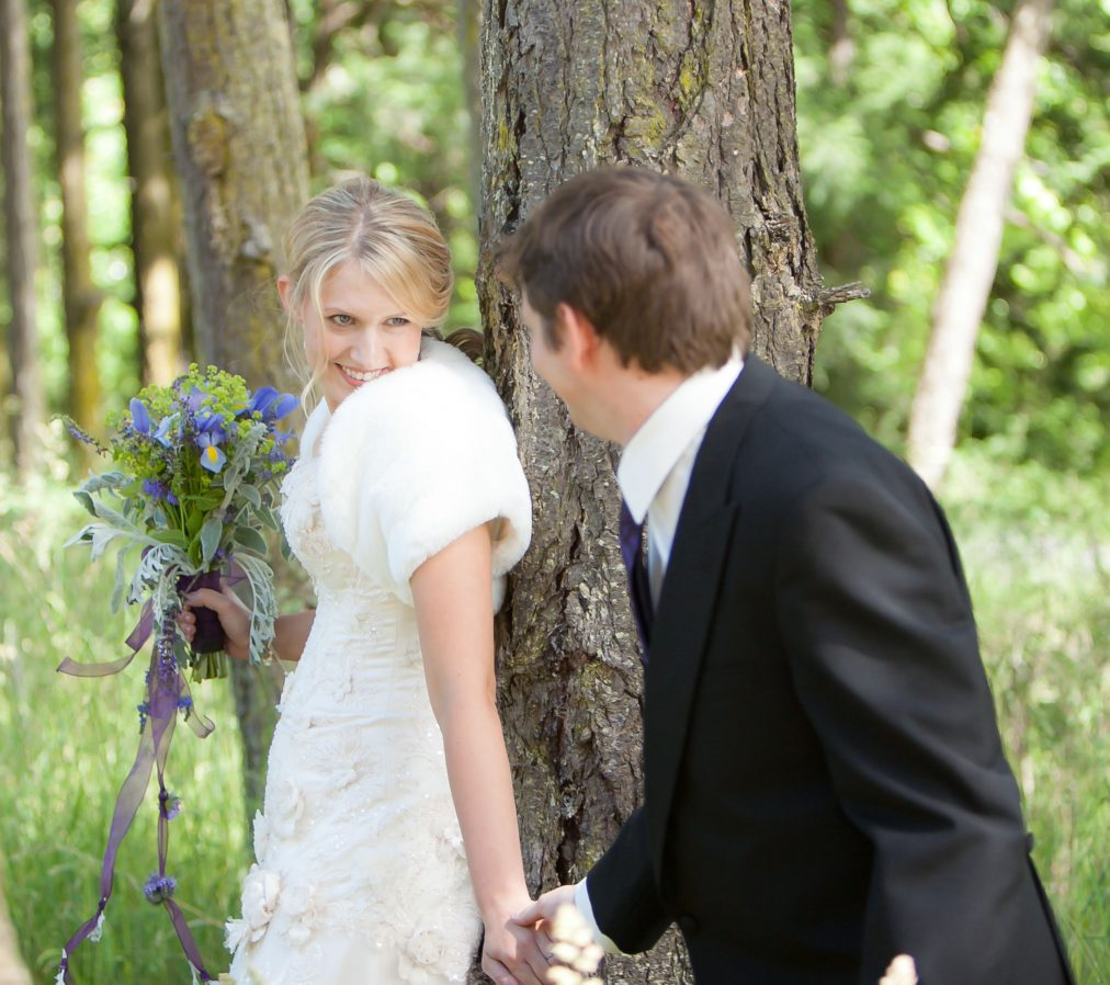first-look-wedding-couple-at-roche-harbor-elopement-fur-stole