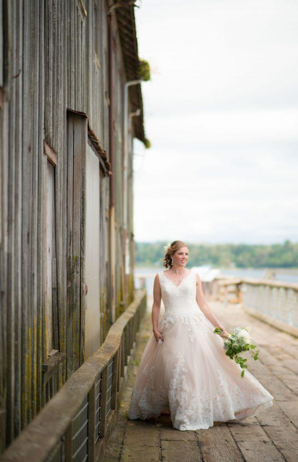 Semiahmoo-wedding-photo-of-bride-bellingham-pnw