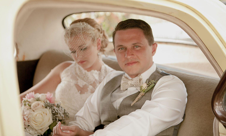roche-harbor-wedding-couple-groom-vintage-car-birdcage-veil