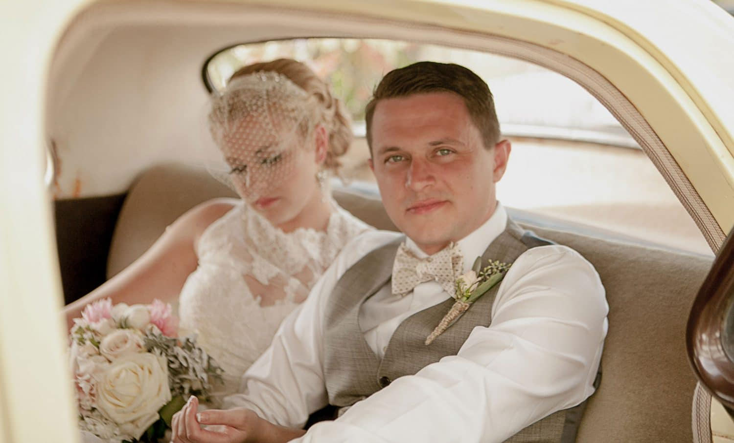 roche-harbor-wedding-couple-groom-vintage-car-birdcage-veil