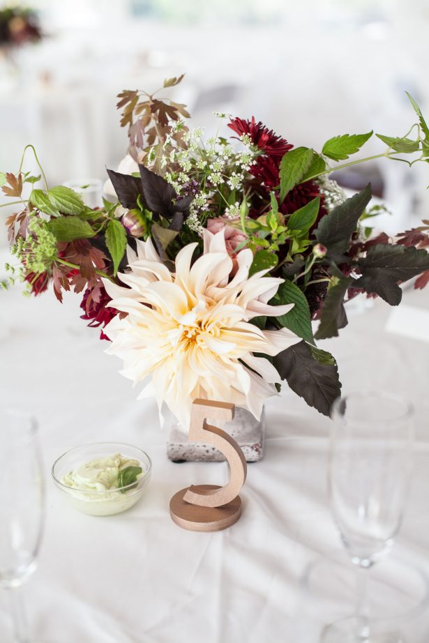 wedding-table-decor-florist-peony-bellingham-photo