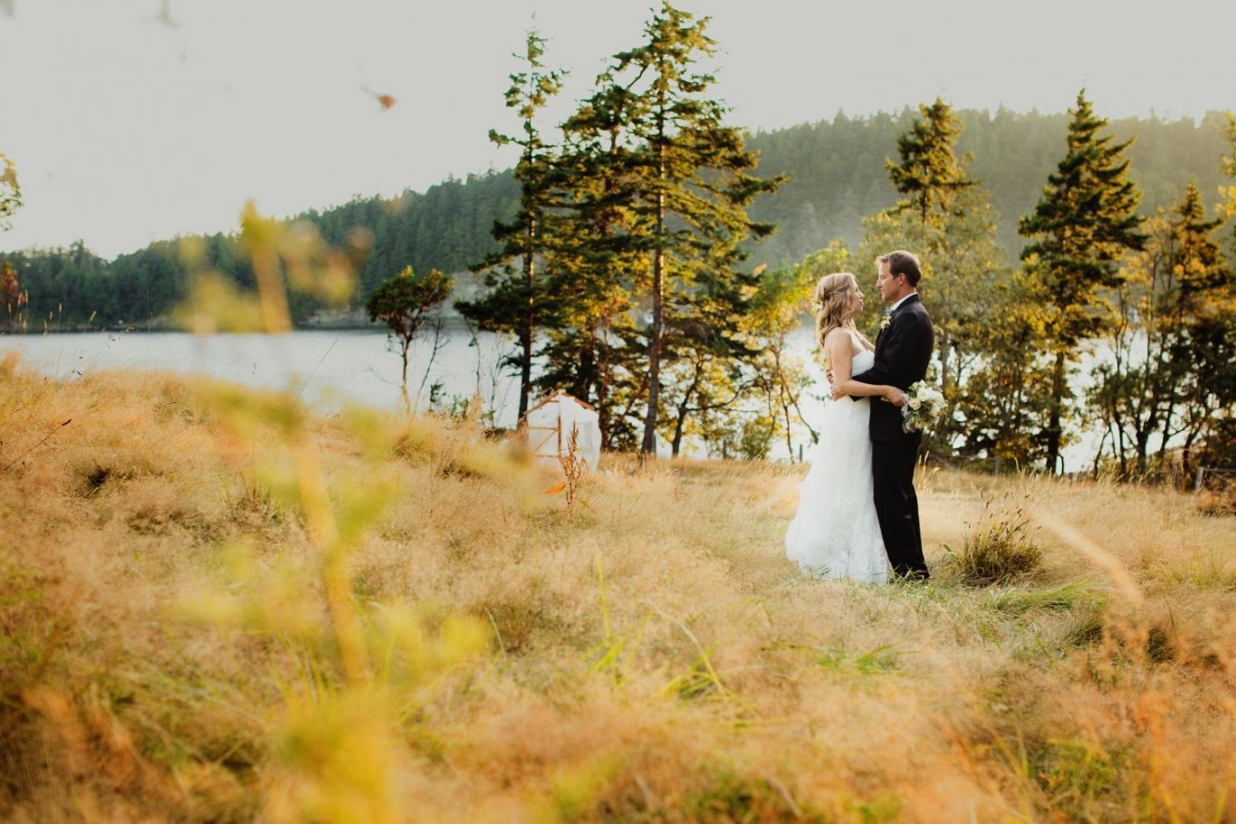 woodstock-farm-wedding-sunset-picture-bellingham-bride-groom-couple