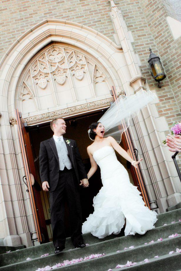 bellingham-wedding-photographer-church-veil-in-the-wind