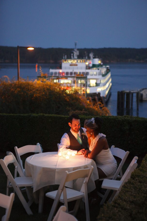 orcas-island-wedding-photographer-ferry-at-orcas-hotel
