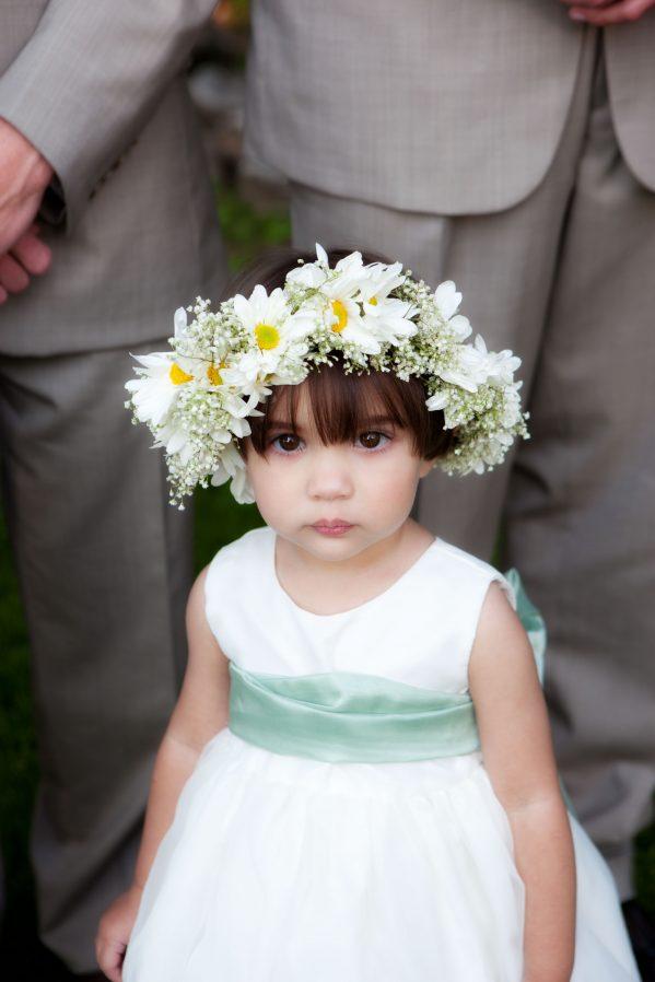 daisy-flower-crown-on-flower-girl-bellingham-wedding-photo