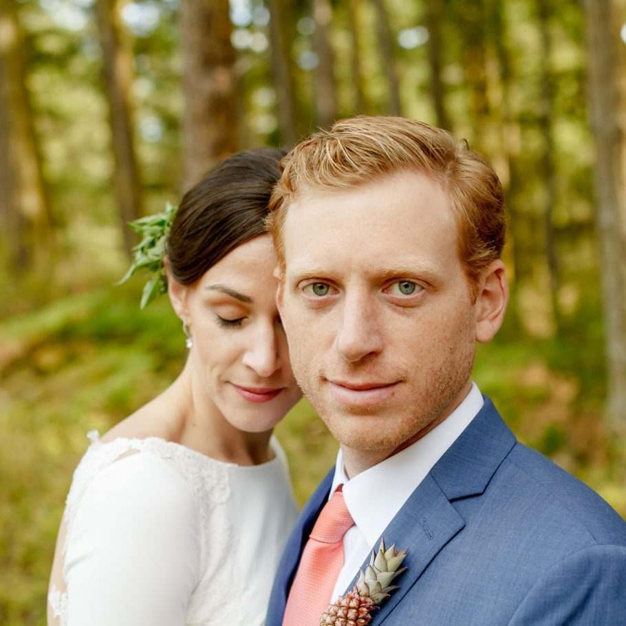 roche-harbor-pnw-destination-wedding-photo-grooms-portrait