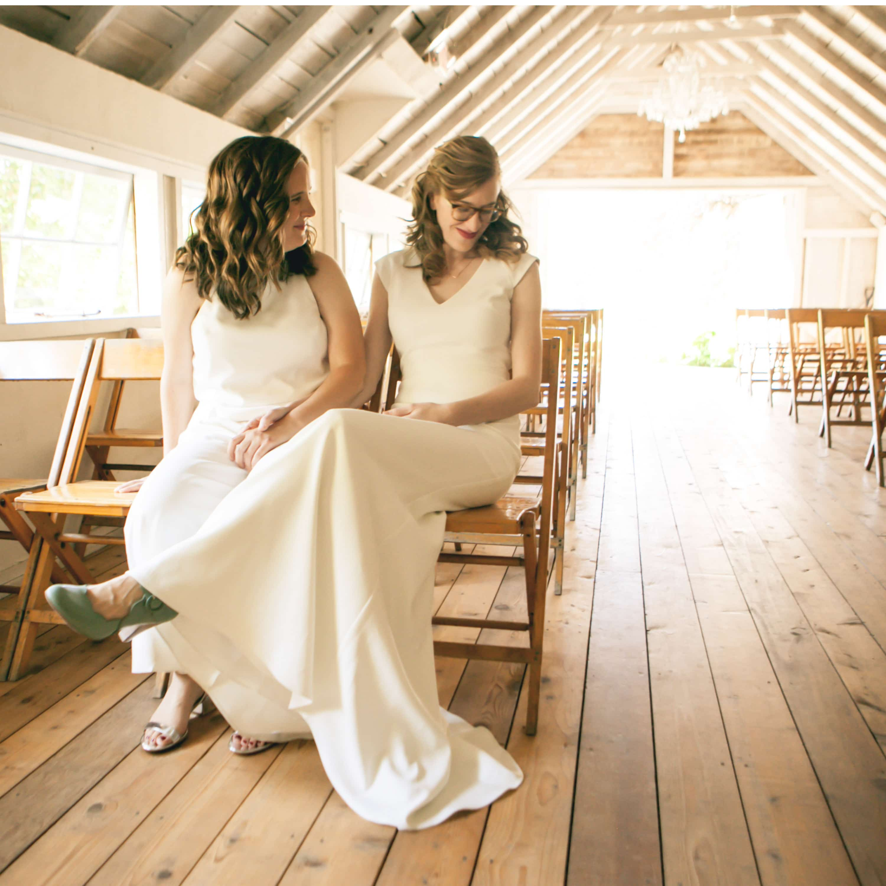 intimate Whidbey island wedding photographer wayfarer farm photo inspiration same sex lesbian wedding