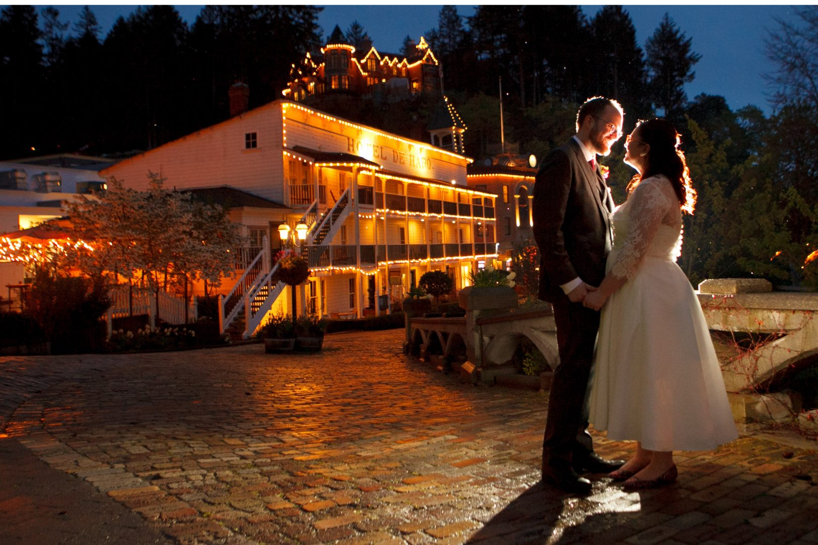roche-harbor-wedding-photo-inspiration-pnw-island-wedding-venue-night-Portrait