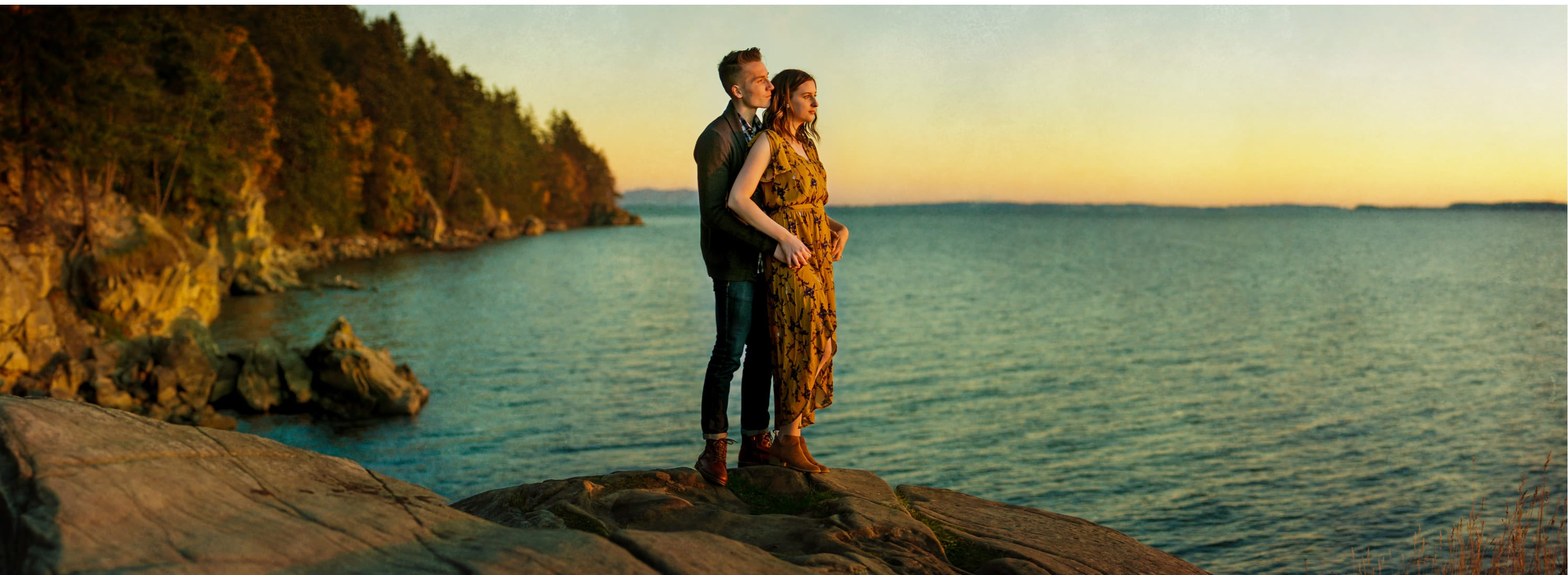 pnw adventure engagement session in bellingham wa fall photo inspiration larrabee sunset